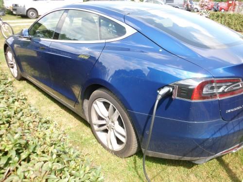 klimafreundliche Anreise mit dem Tesla Elektroauto und bei uns aufladen mit Ökostrom